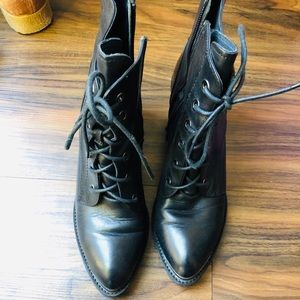 STACCATO leather bootie size 8.5